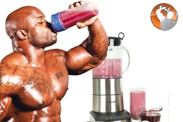 Có nên dùng sữa uống tăng cơ bắp khi tập thể hình?