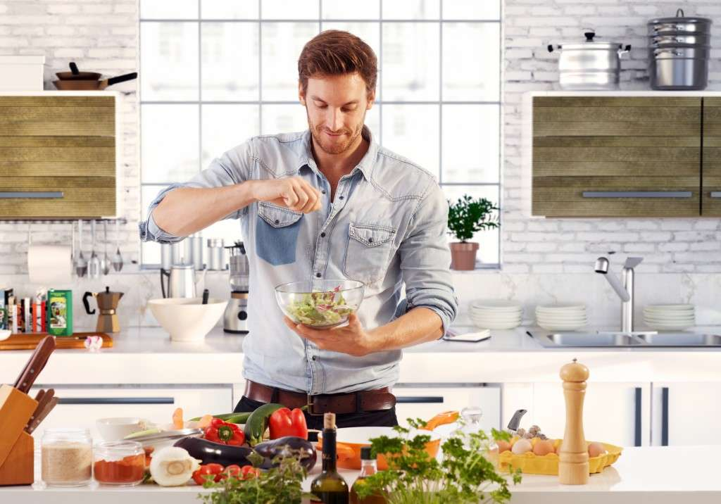 cook like a man guy cooking 1024x716 1
