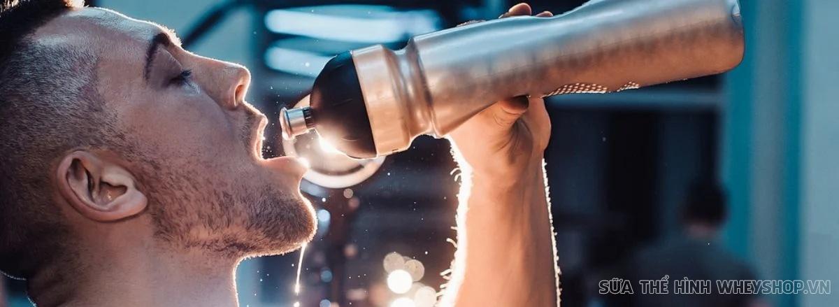 Nước ngọt có ga Revive đã quá quen thuộc với cuộc sống hằng ngày. Vậy uống nước Revive nhiều có tốt cho người tập gym không ? Cùng WheyShop tìm hiểu qua bài viết