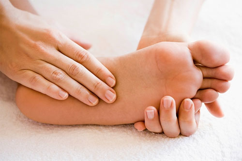 Cách giảm đau chân khi đi nhiều