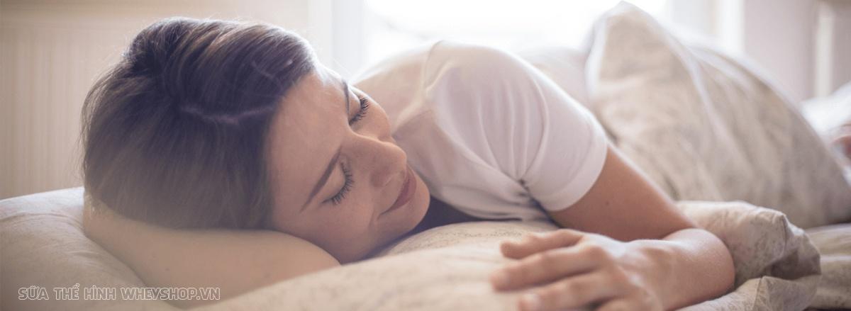 Cùng Dinh Dưỡng Thể Hình tìm hiểu sự thật ngủ nhiều có mập hay không , những tác hại và lợi ích của việc ngủ nhiều đối với sức khỏe và tăng cân giảm cân