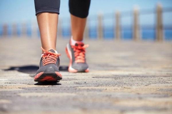 đi bộ giảm mỡ bụng của người nhật