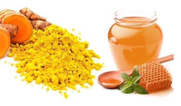 uống mật ong tăng cân với bột nghệ