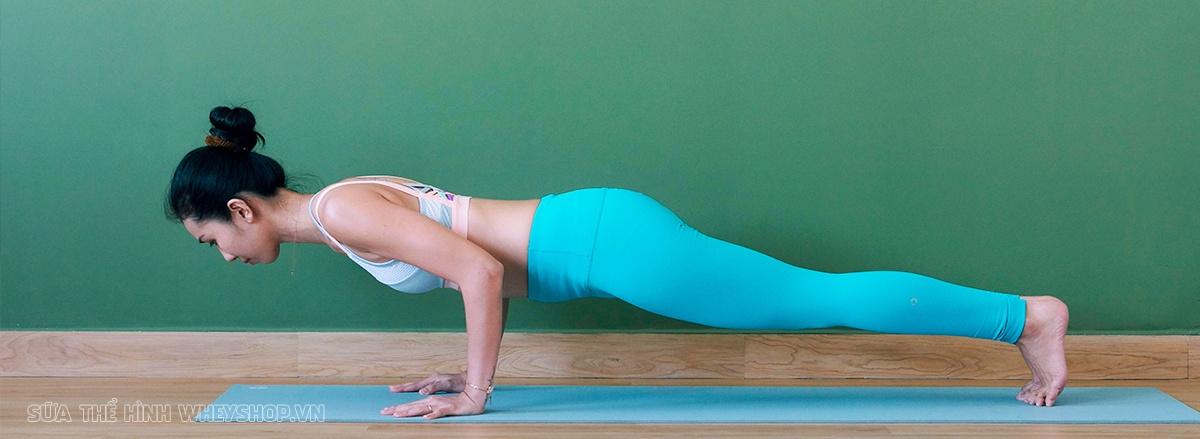 Tập Yoga mang lại nhiều lợi ích cho sức khỏe, tuy nhiên tập Yoga khó hay dễ ? Hãy cùng WheyShop tìm hiểu ngay 12 Bài tập Yoga cho người mới bắt đầu cần biết...