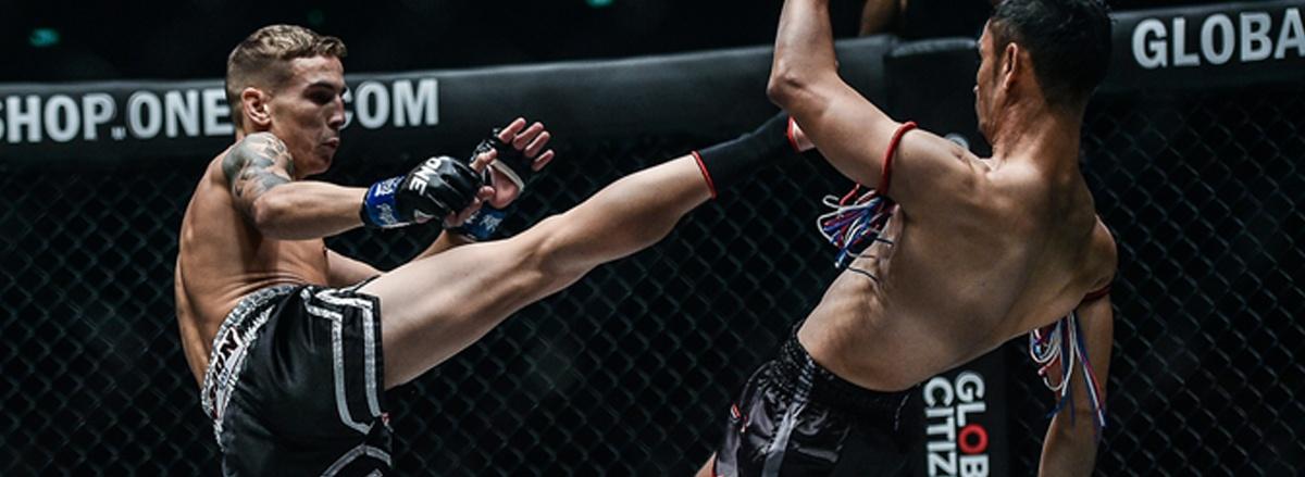 Kick Boxing là gì ? Cùng WheyShop tìm hiểu chi tiết về kick boxing là lợi ích của kick boxing với việc giảm mỡ, giảm cân an toàn hiệu quả qua bài viết sau nhé