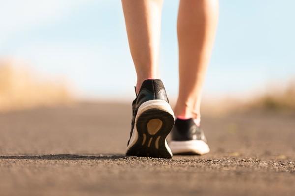 đi bộ sau khi ăn tối bao lâu