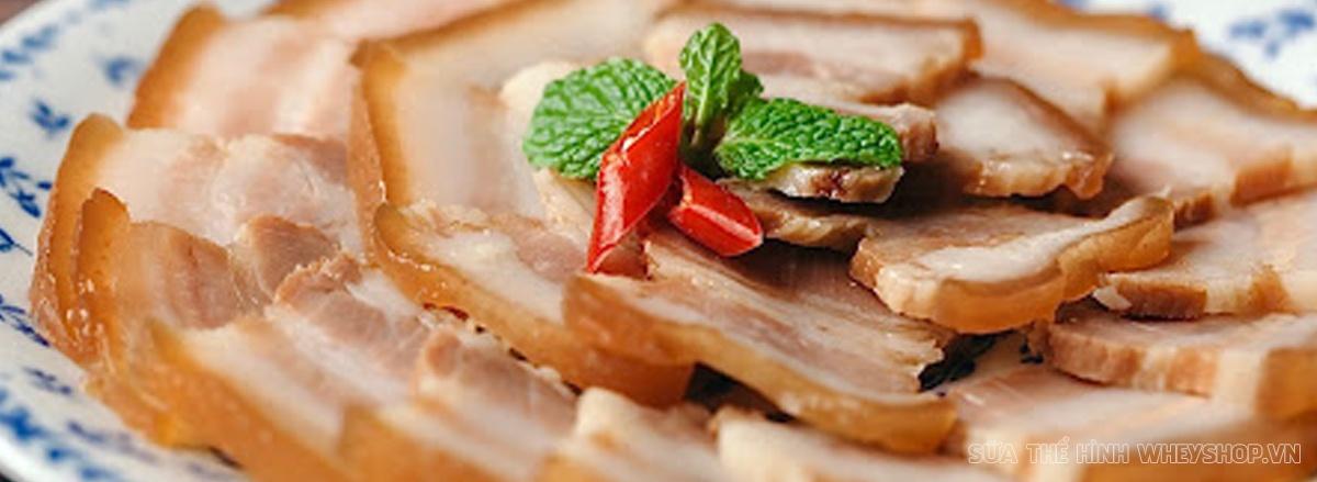 Cùng WheyShop tham khảo các món ăn và bảng calories dinh dưỡng món ăn ngày Tết chi tiết nhất qua bài viết nhé!