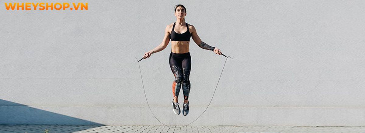 Nhảy dây là bài tập quen thuộc và vô cùng đơn giản, tuy nhiên bạn sẽ cảm thấy nuối tiếc vì không biết tới 10 lợi ích của nhảy dây qua bài viết của WheyShop...