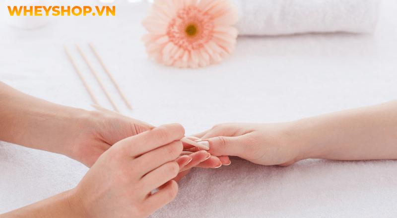 Khi cơ thể khỏe mạnh, móng tay của chúng ta thường có màu hồng nhạt, bề mặt nhẵn. Vậy nếu như móng tay có sọc đen là do đâu? Dấu hiệu cảnh báo sức khoẻ gặp...