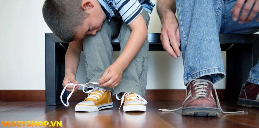 Không biết được kích thước bàn chân của bé nên bố mẹ khó chọn được đôi giày phù hợp cho bé. Vì vậy, việc lựa chọn size giày cho bé vừa vặn với bàn chân mang...