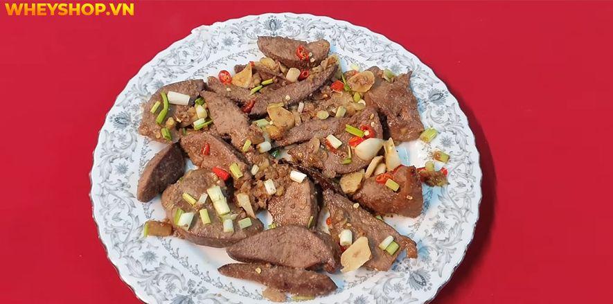 Gan động vật là một loại thực phẩm rất ngon và bổ dưỡng cho cơ thể được sử dụng nhiều trong bữa ăn hàng ngày của các gia đình Việt Nam. Gan lợn xào tỏi được...