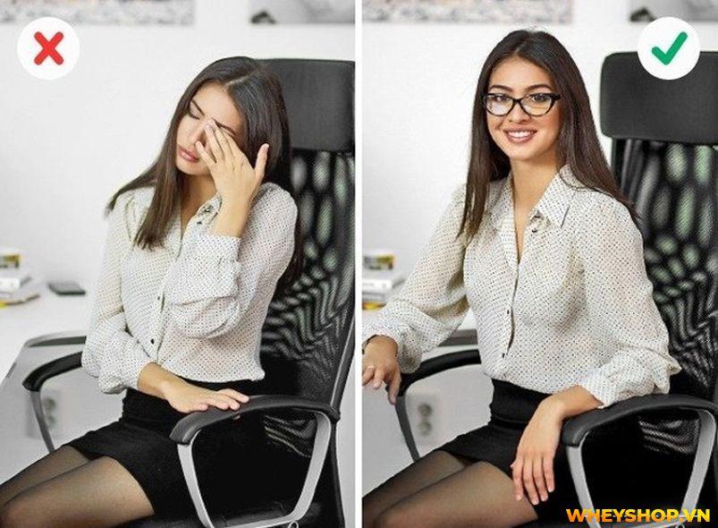 Tư thế ngồi đúng để có một dáng người, lưng và cột sống khỏe mạnh. Hầu hết mọi người có thể cải thiện tư thế của họ bằng cách tập ngồi thẳng lưng theo một số...