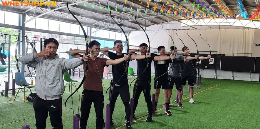 vBắn cung thật ra cũng còn là một bộ môn thể thao mới lạ với người dân Việt Nam. Bằng chứng đó là không có nhiều địa điểm tập luyện cũng như học bắn cung tại...